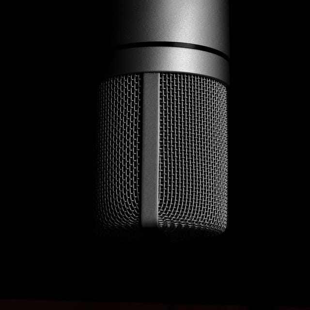 microphone to record voice over